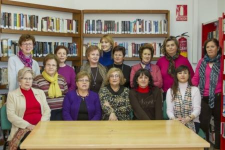 """Higueruela: Reunión del Club de Lectura """"Amistad""""."""