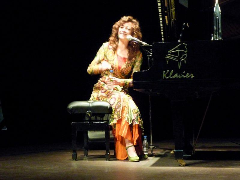 """Carmen París: """"París al piano"""""""