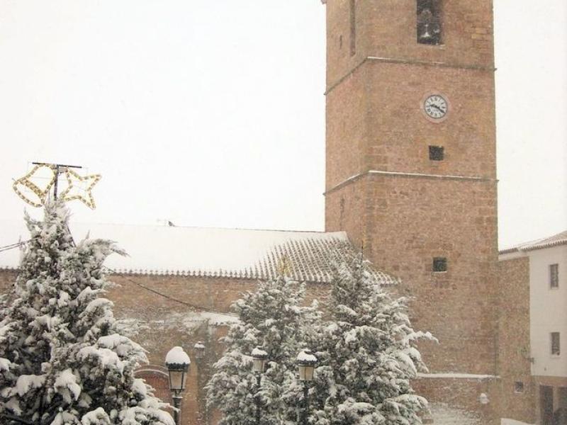 Iglesia y Plaza con nieve